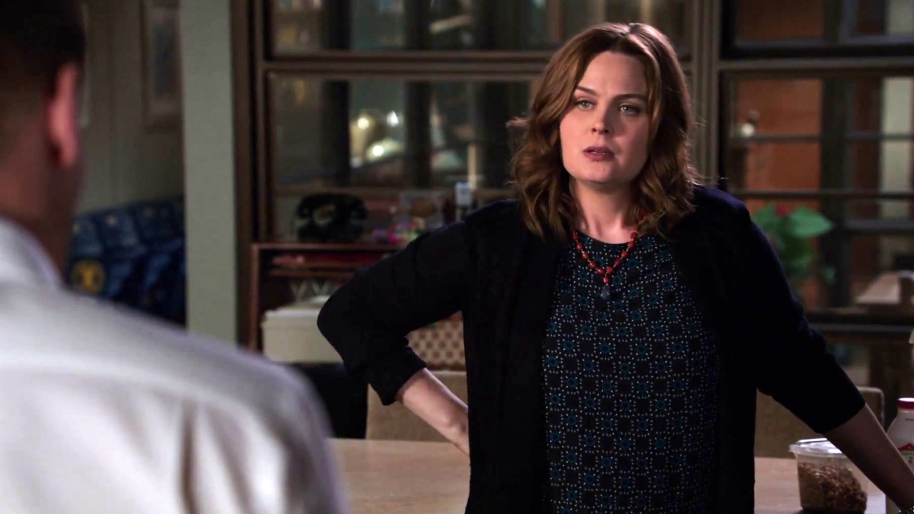 Bones: Booth Tries To Console Brennan Over Her Father's Death