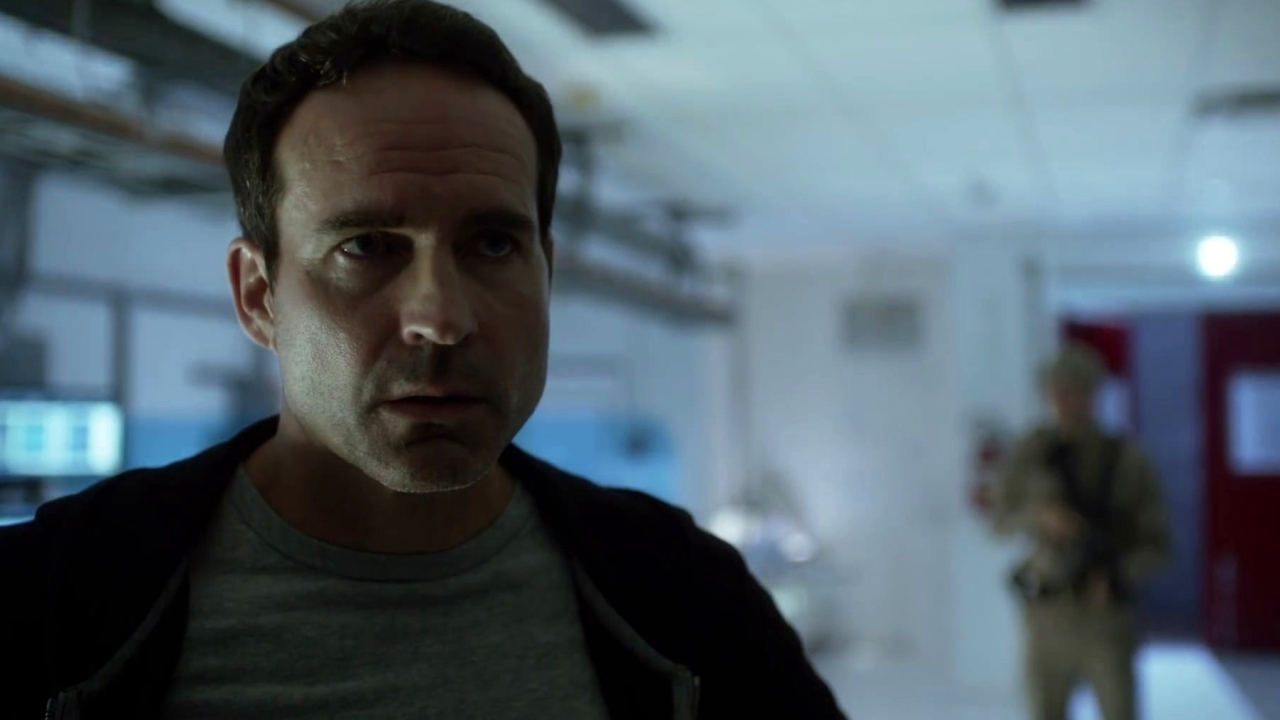 Wayward Pines: The Female Abbie Escapes!