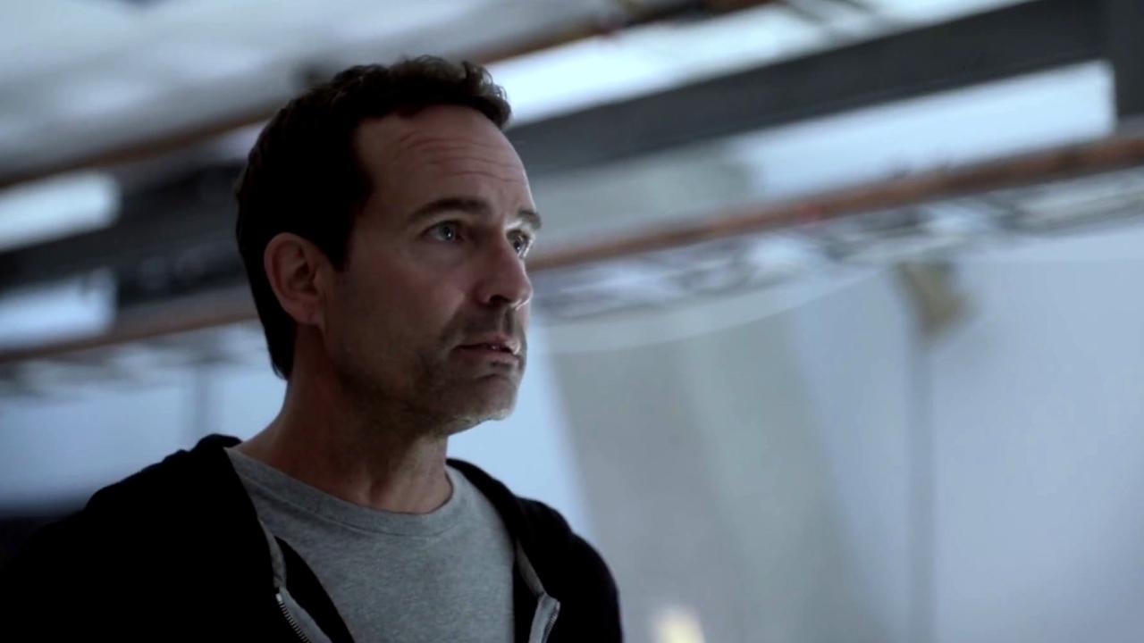Wayward Pines: Theo Is Suspicious Of Jason
