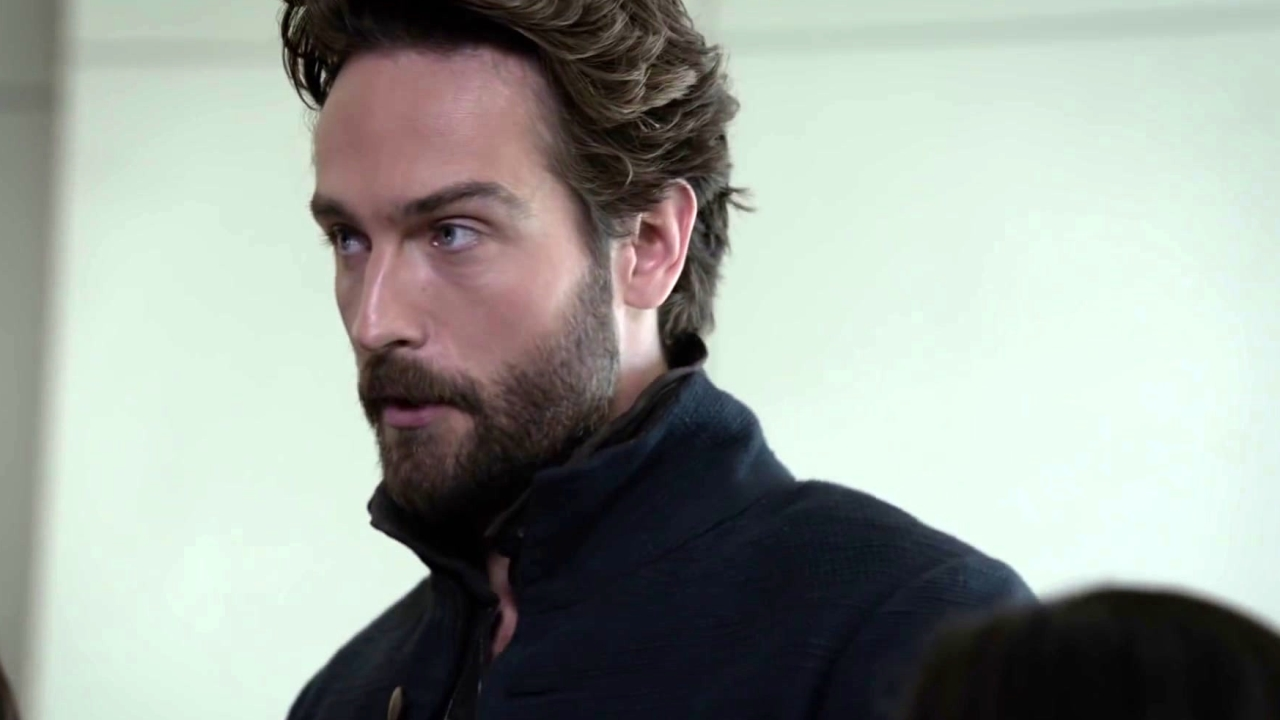 Sleepy Hollow: Ichabod Tells Molly That There Is More To Life Than Social Media