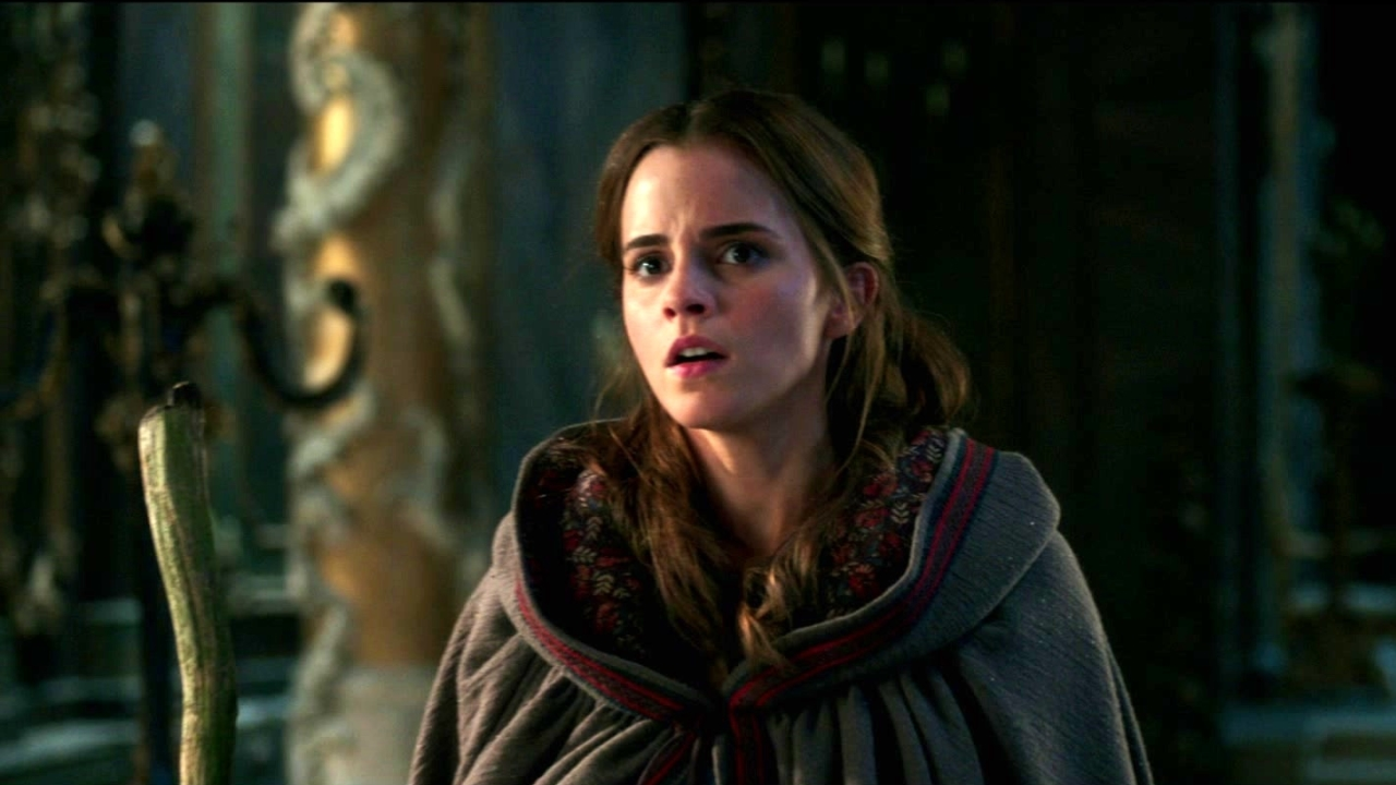 Beauty And The Beast: Empowered Belle (Featurette)