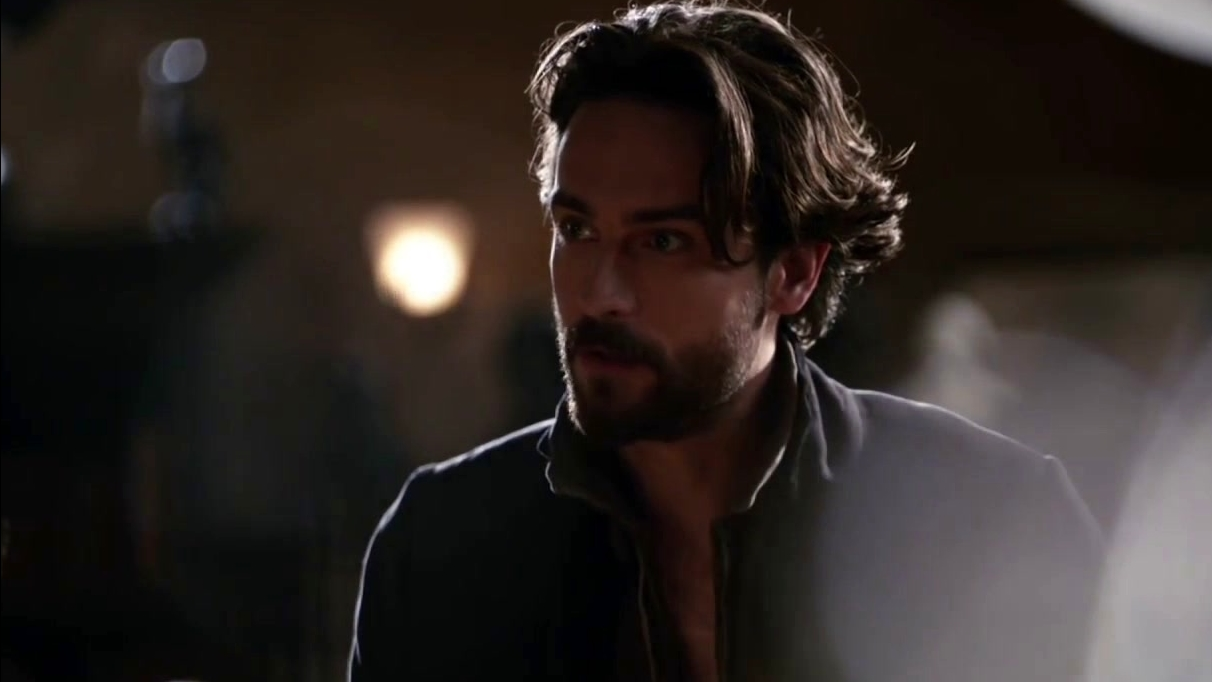 Sleepy Hollow: After Pandora Visits, Ichabod Talks To Abbie About It