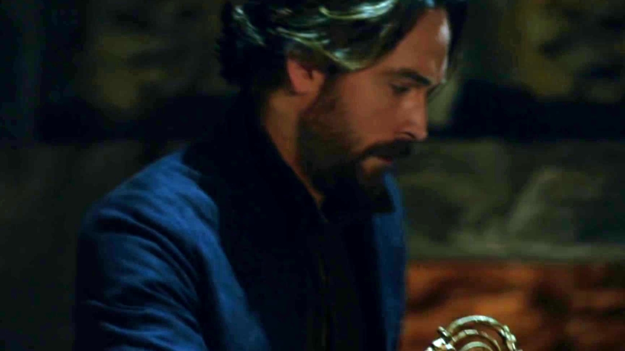 Sleepy Hollow: Ichabod Prays At The Ruin To Bring Abbie Back