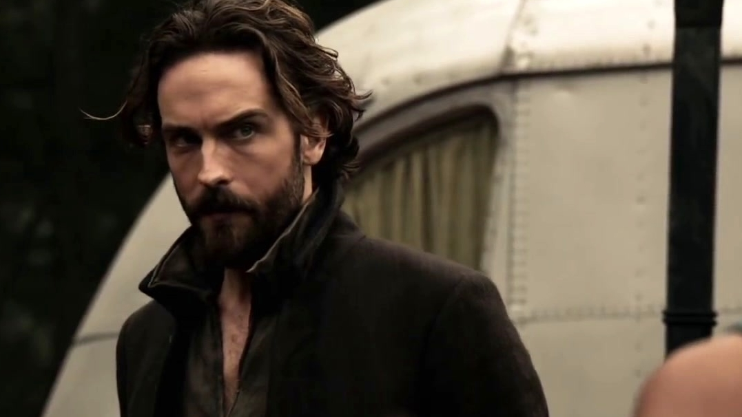 Sleepy Hollow: Ichabod And The Gang Are Attacked In The Woods
