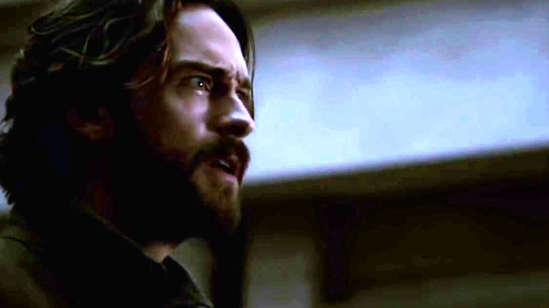 Sleepy Hollow: Abbie And Ichabod Are Chased By The Dead Army Of Redcoats