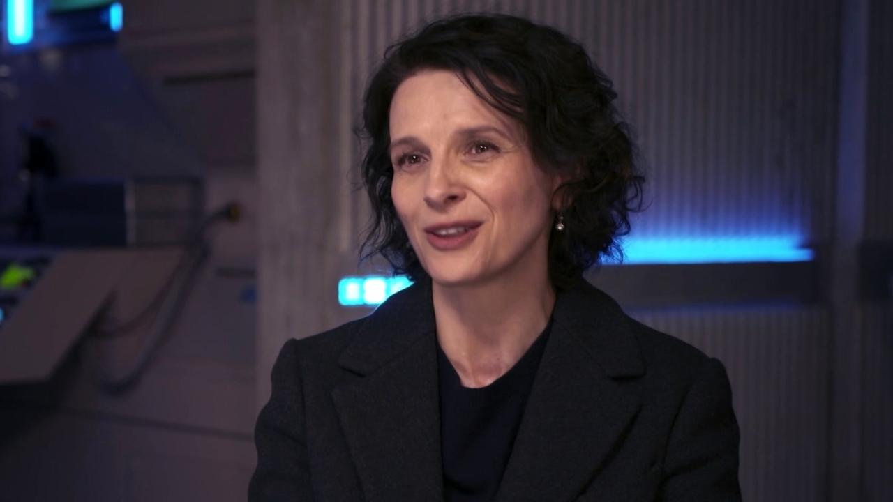 Ghost In The Shell: Juliette Binoche about Director Rupert Sanders (International)