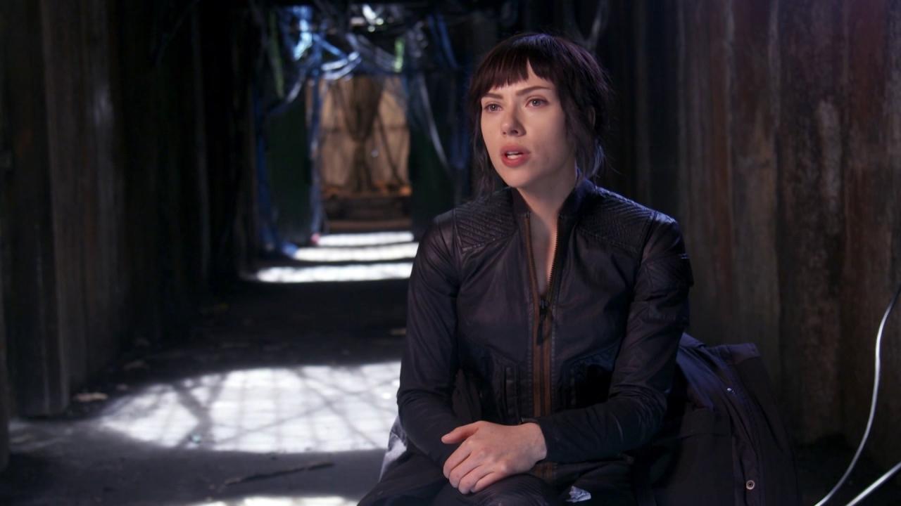 Ghost In The Shell: Scarlett Johansson about Director Rupert Sanders (International)