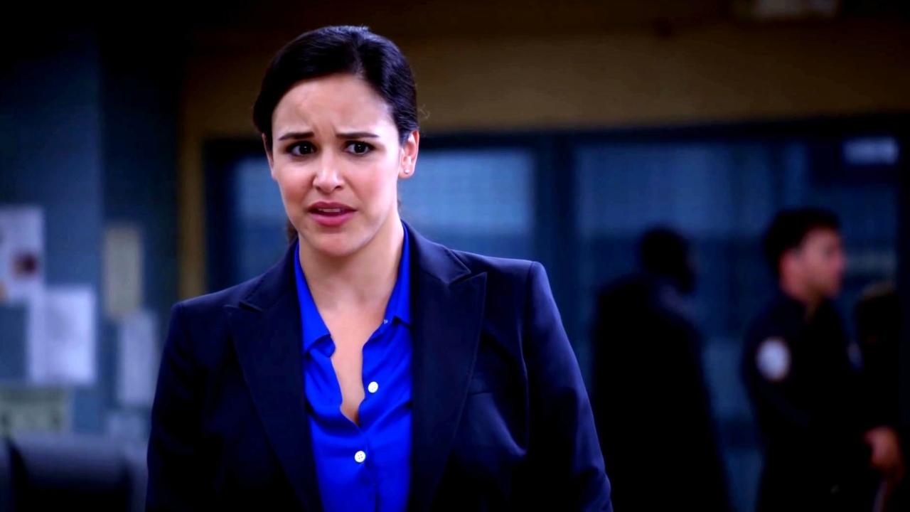 Brooklyn Nine-Nine: Amy Writes A Secret Letter To Jake