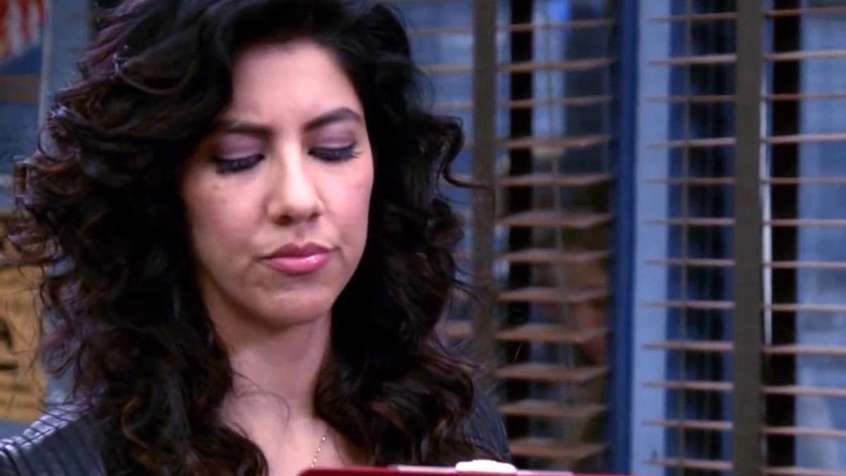 Brooklyn Nine-Nine: Amy Thinks She Is Tougher Than Rosa