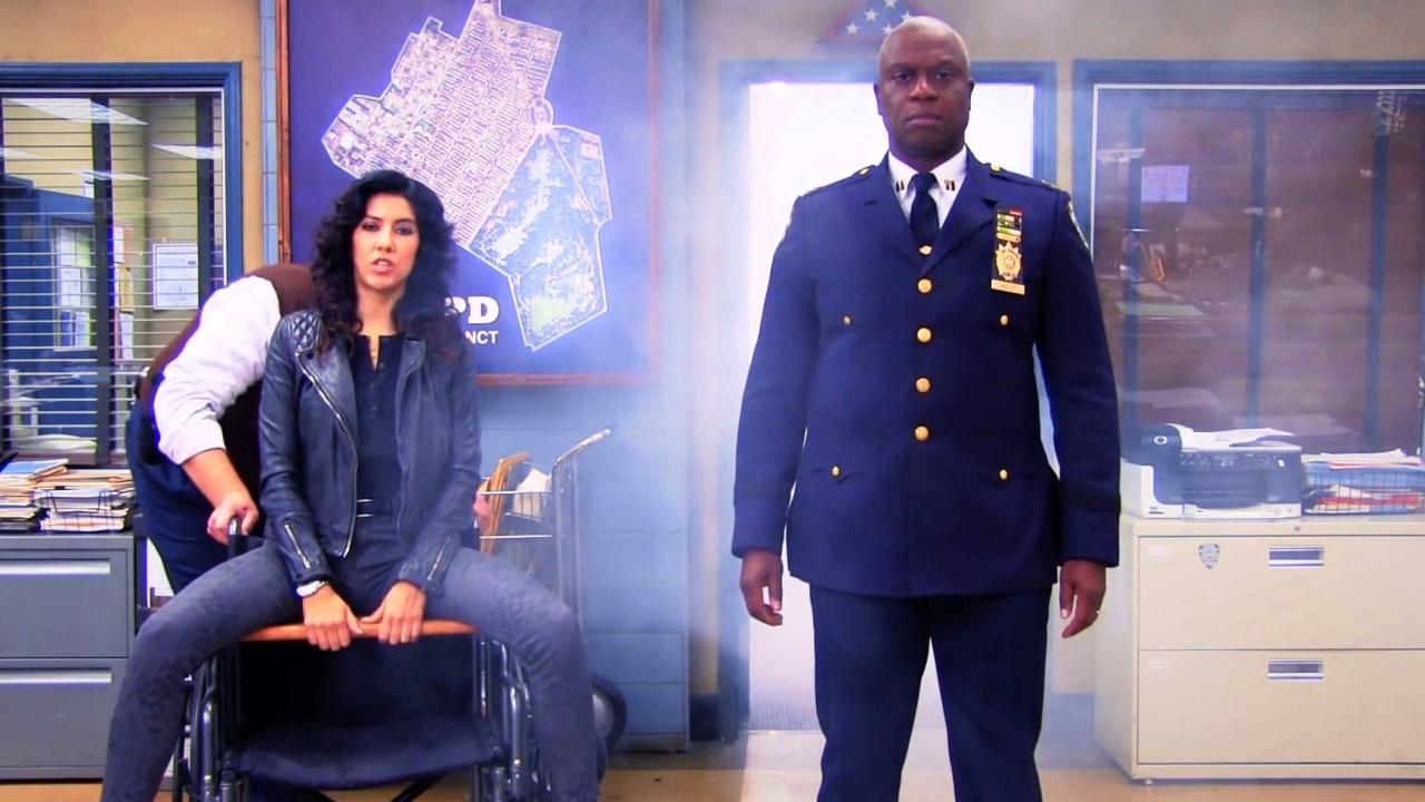 Brooklyn Nine-Nine: Gina Directs The 9-9'S Video