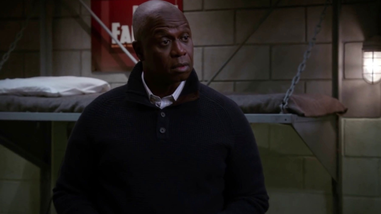 Brooklyn Nine-Nine: Gina Forgets To Send Out Invitations