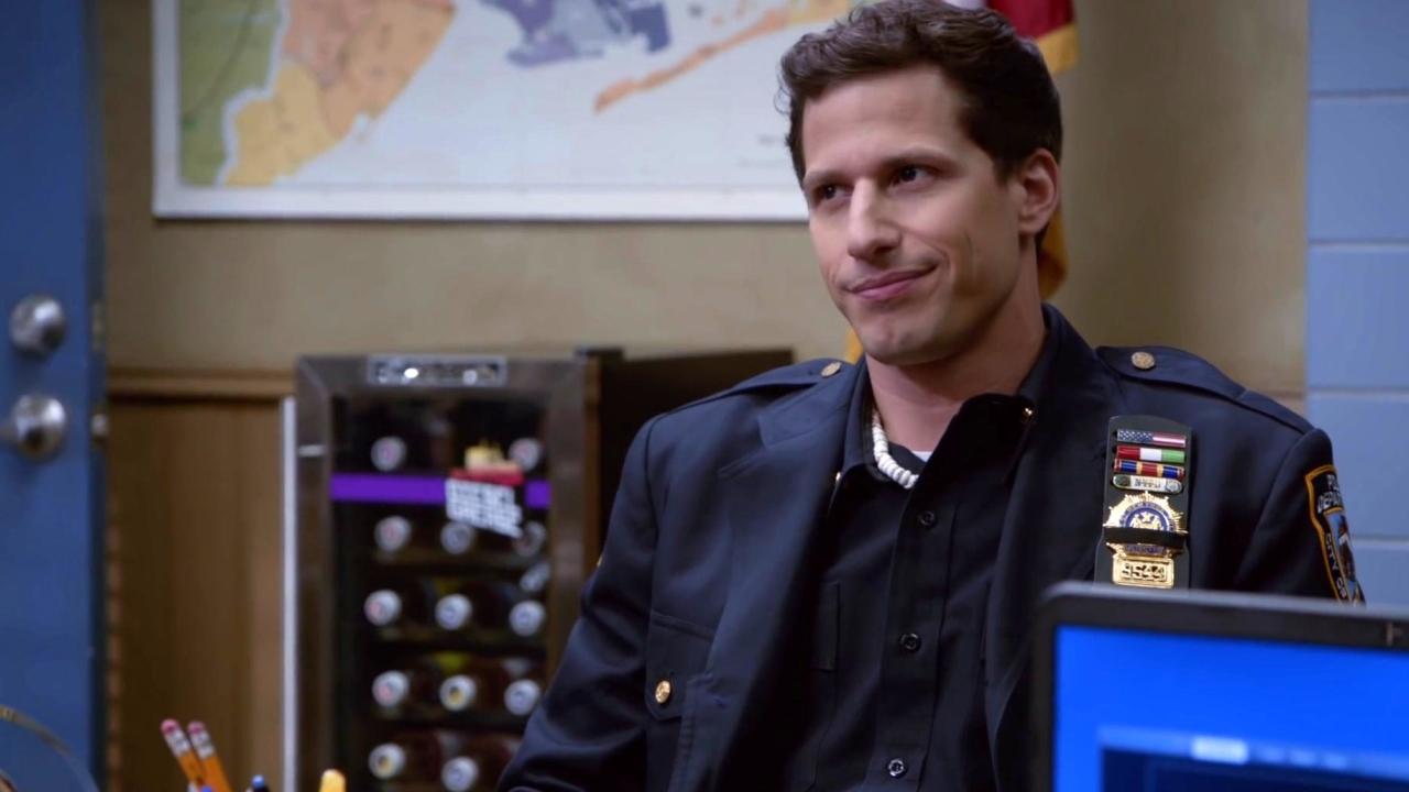 Brooklyn Nine-Nine: Jake Befriends The Vulture