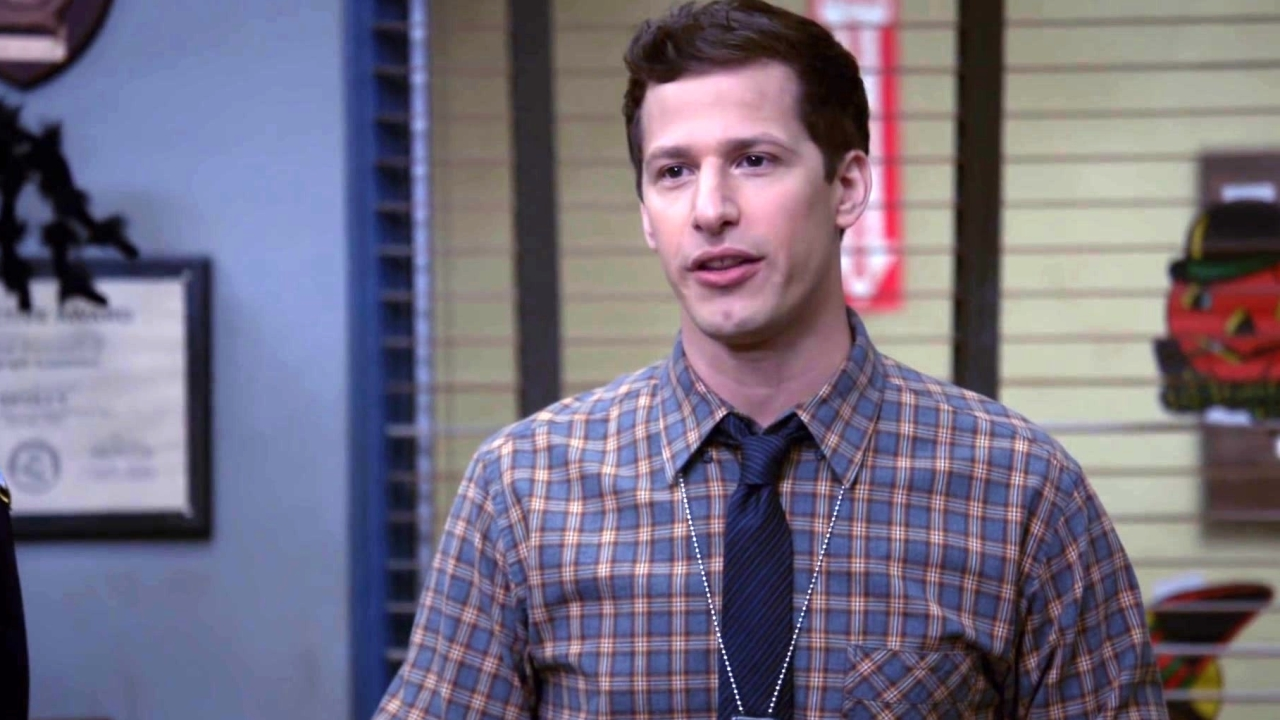 Brooklyn Nine-Nine: Jake Announces The Halloween Battle