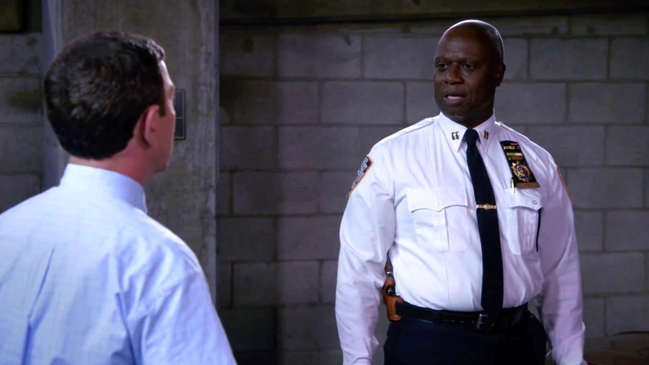Brooklyn Nine-Nine: Boyle Scratches Holt's Raspberry Sherbet Car