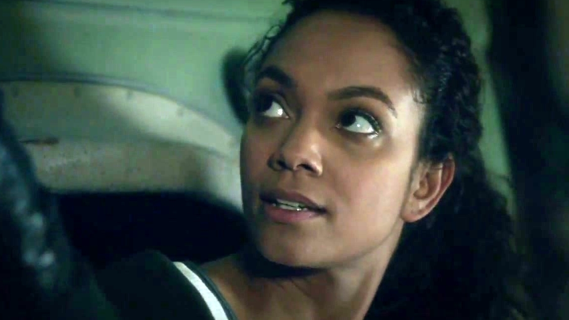 Sleepy Hollow: Frank Guards The Liberty Bell And Scares Jenny
