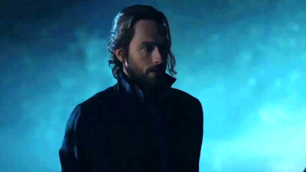 Sleepy Hollow: Ichabod And Jenny Hear Strange Voices From The Barn