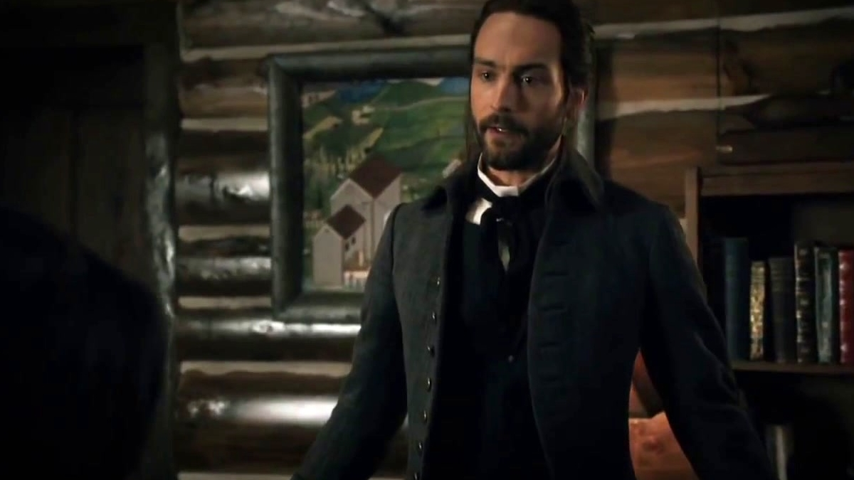 Sleepy Hollow: Ichabod Dresses In Modern Clothes
