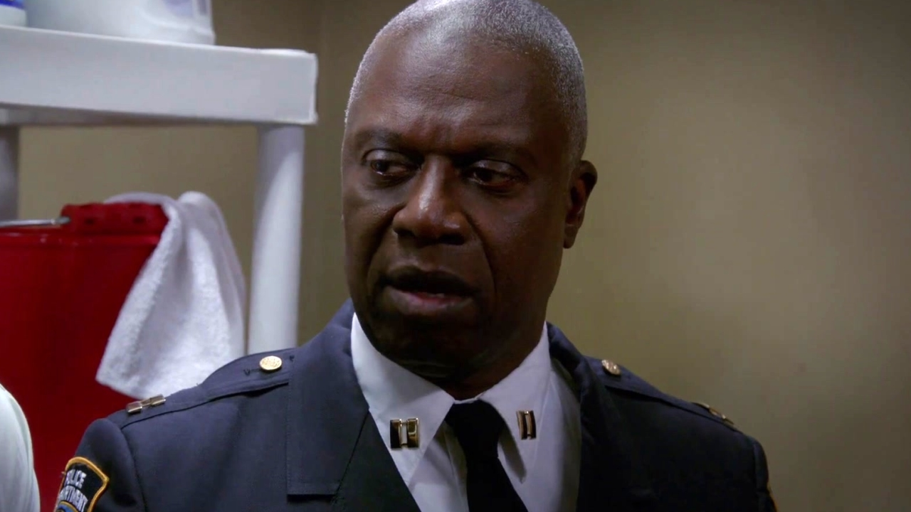 Brooklyn Nine-Nine: The 9-9 Have An Emergency Meeting In The Closet