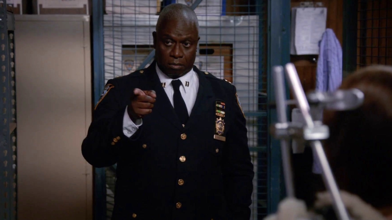 Brooklyn Nine-Nine: Boyle Devises A Plan To Get Rid Of The Rats