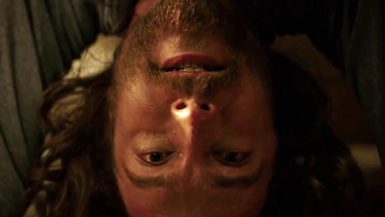 Sleepy Hollow: Ichabod Practices Yoga With Abbie