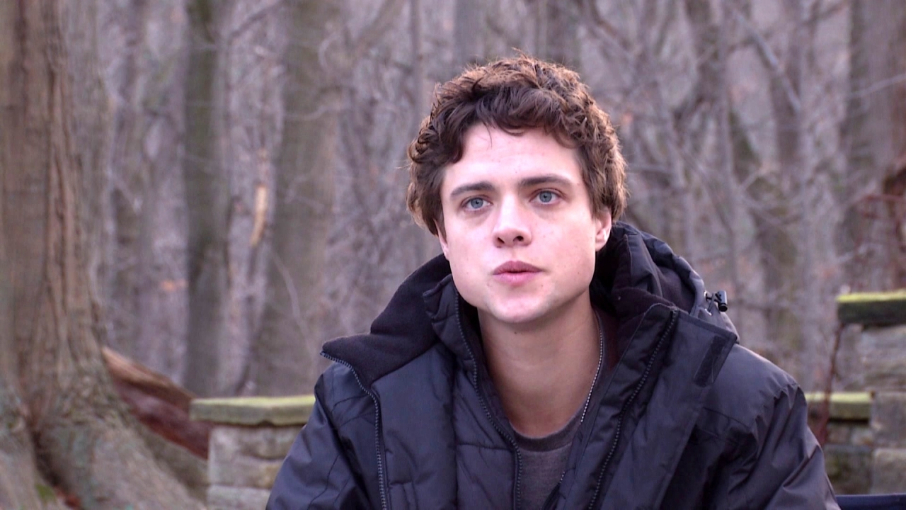 The Bye Bye Man: Douglas Smith on Collaborating with the Director (International)