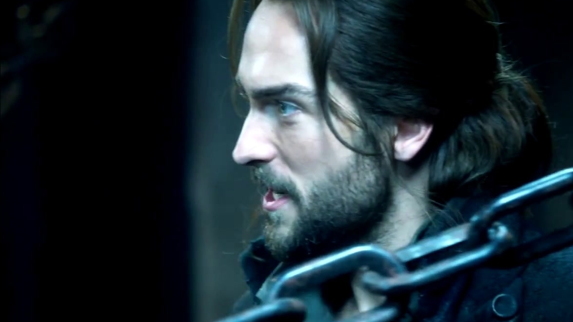 Sleepy Hollow: Ichabod Reclaims Katrina's Necklace From The Horseman