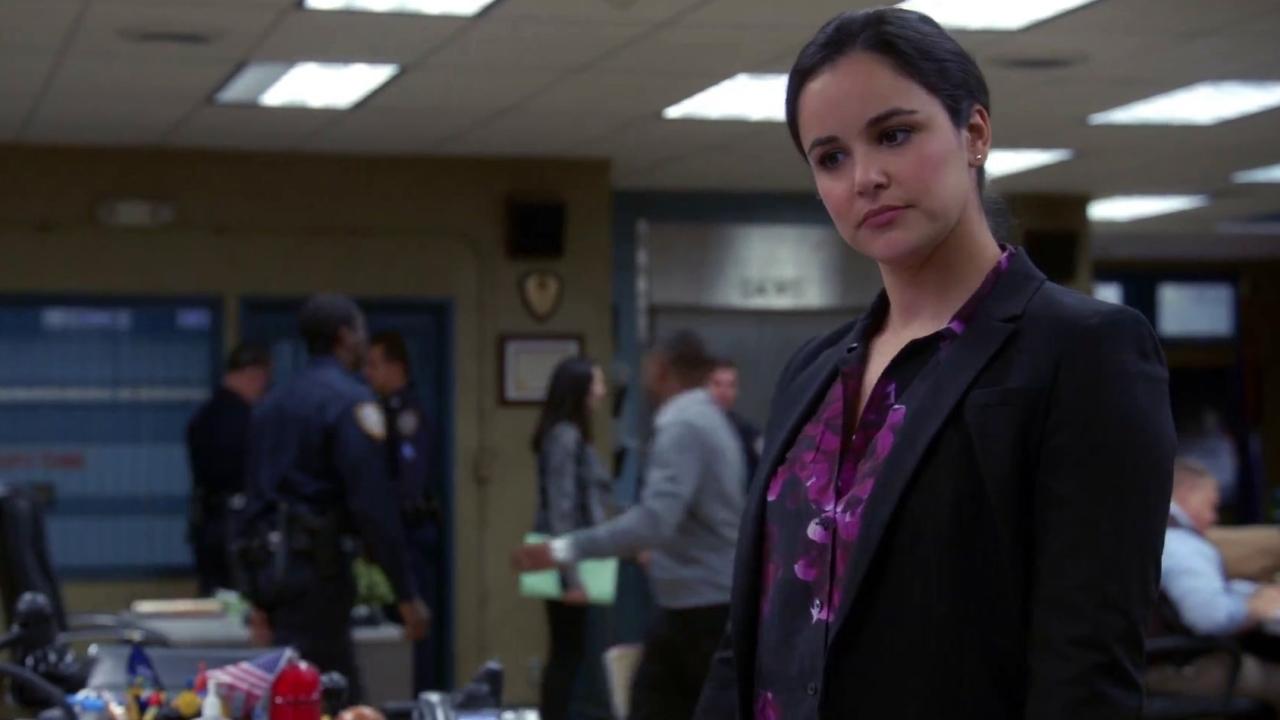 Brooklyn Nine-Nine: Gina Plays Three Pranks For The Price Of One