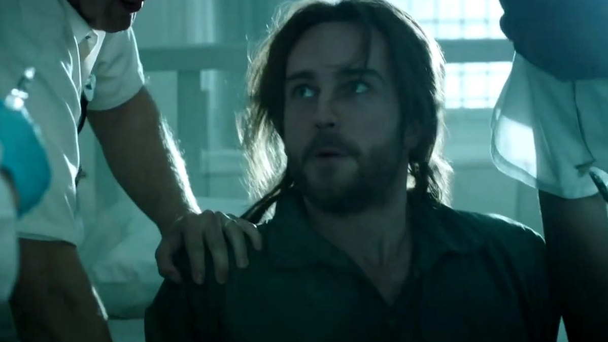 Sleepy Hollow: Ichabod Is Broken Out Of The Hospital By Abbie