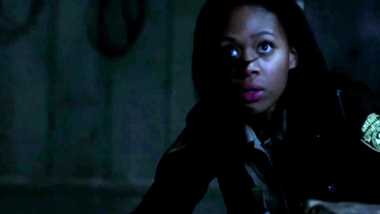 Sleepy Hollow: Abbie Sees The Headless Horseman For The First Time