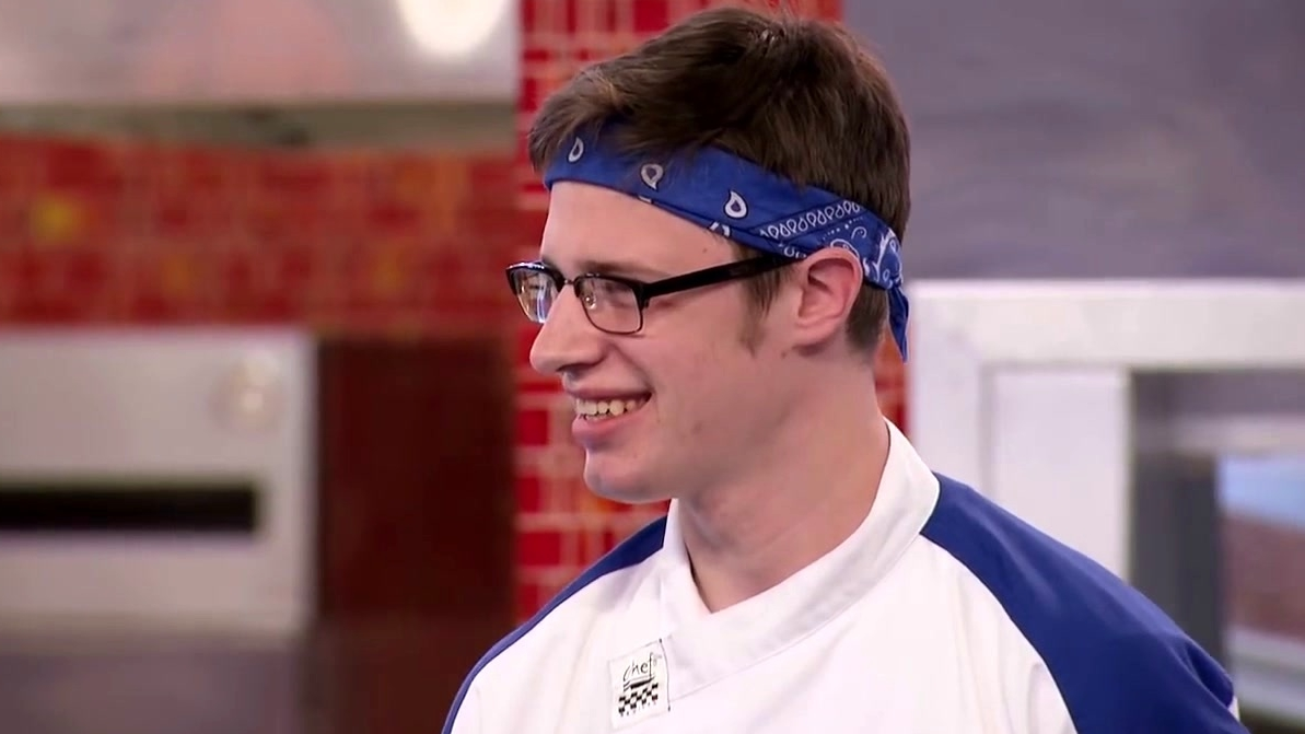 Hell's Kitchen: Paulie And Johnny Race To Match The Proteins In The Dish