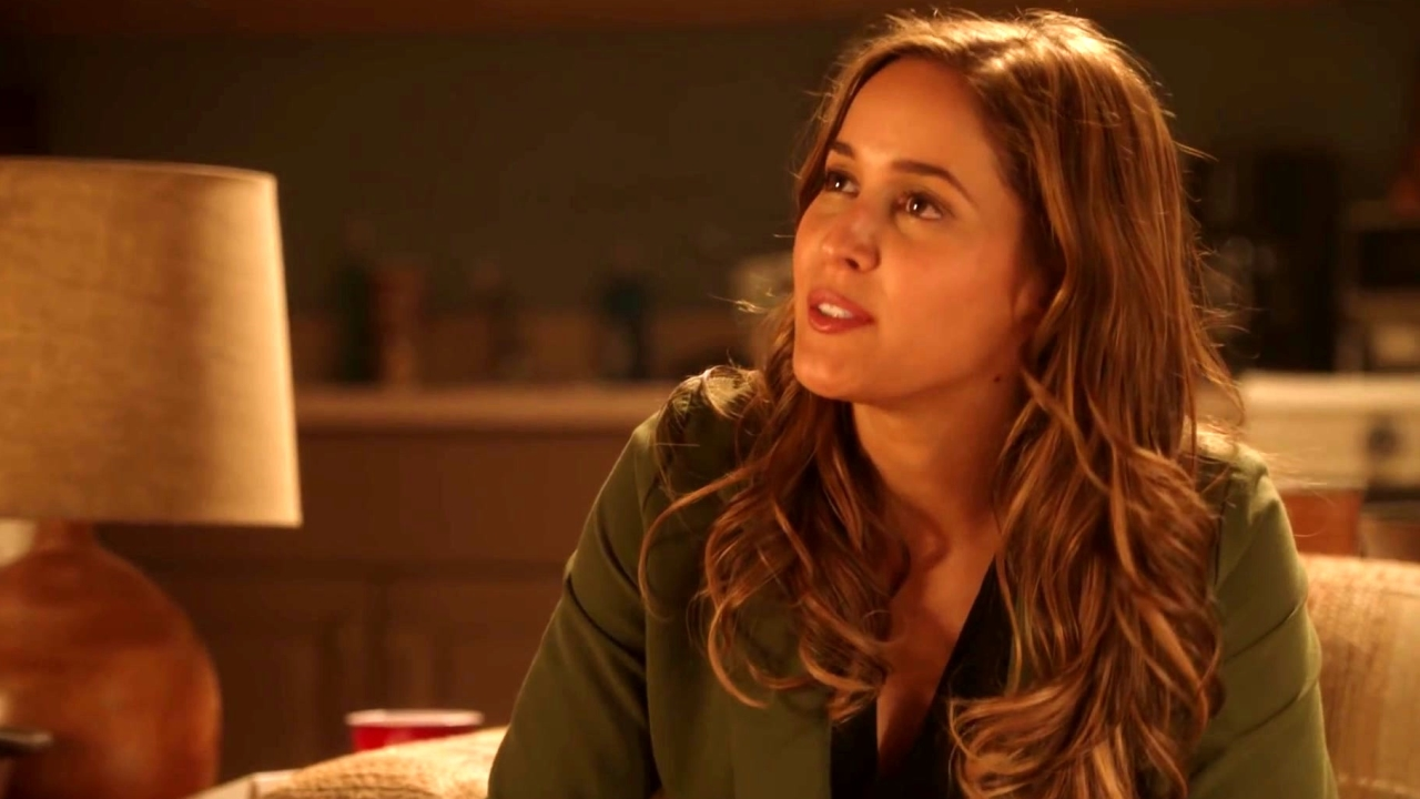 Rosewood: Villa Offers Advice To Her Brother