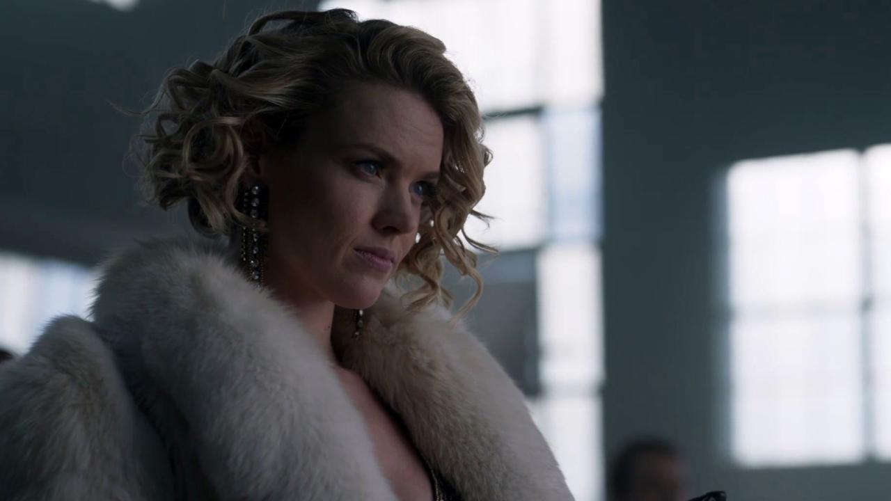 Gotham: Barbara Tortures A Man For Information