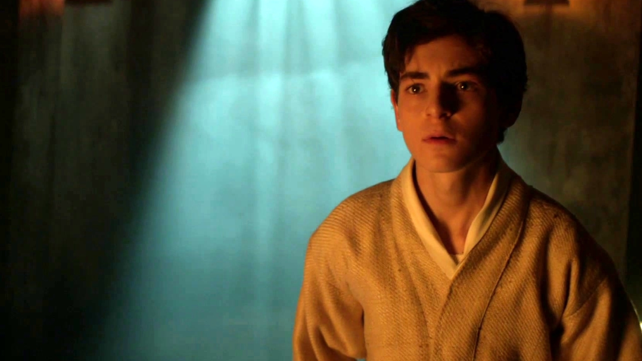 Gotham: Bruce Wayne Wants To Know Who Abducted Him
