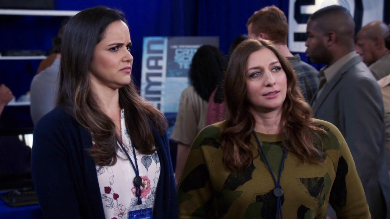 Brooklyn Nine-Nine: Crush At First Sight For Scully