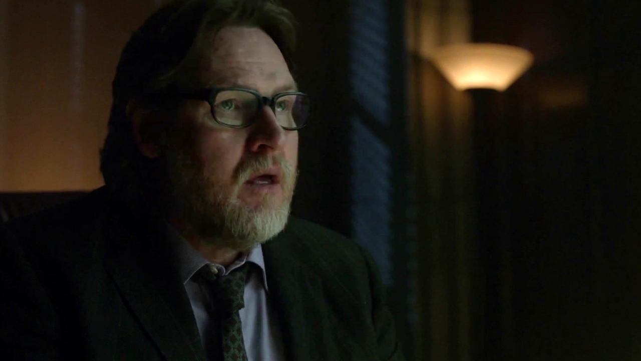 Gotham: Lee Delivers The Autopsy Report On Frank Gordon