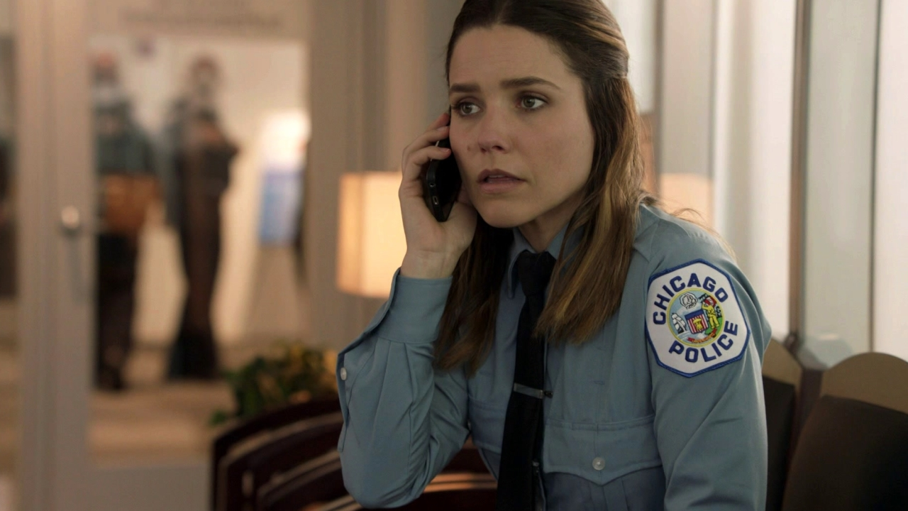 Chicago P.D.: Lindsay's Mom Is In Trouble
