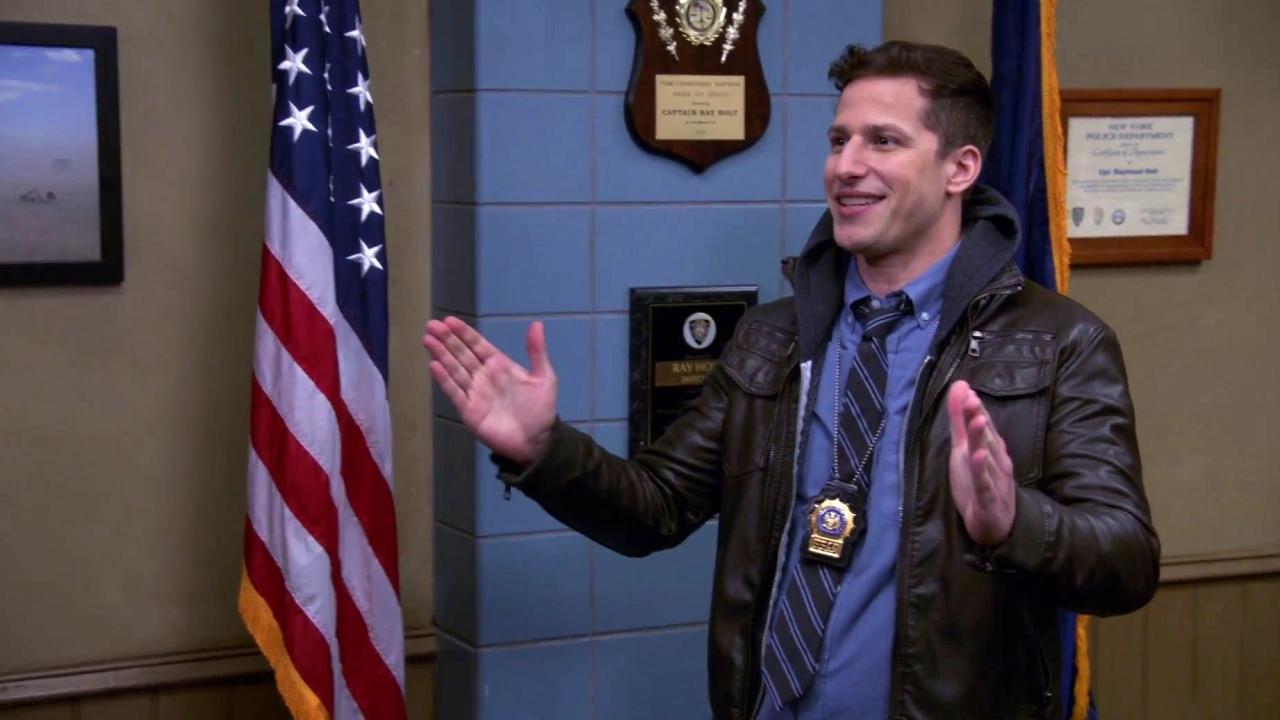 Brooklyn Nine-Nine: Holt Needs A Personal Favor