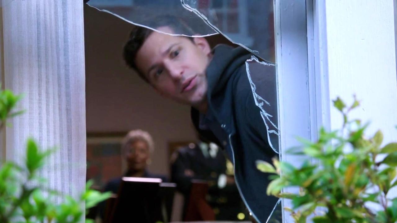 Brooklyn Nine-Nine: Jake Cracks Down On A Robbery