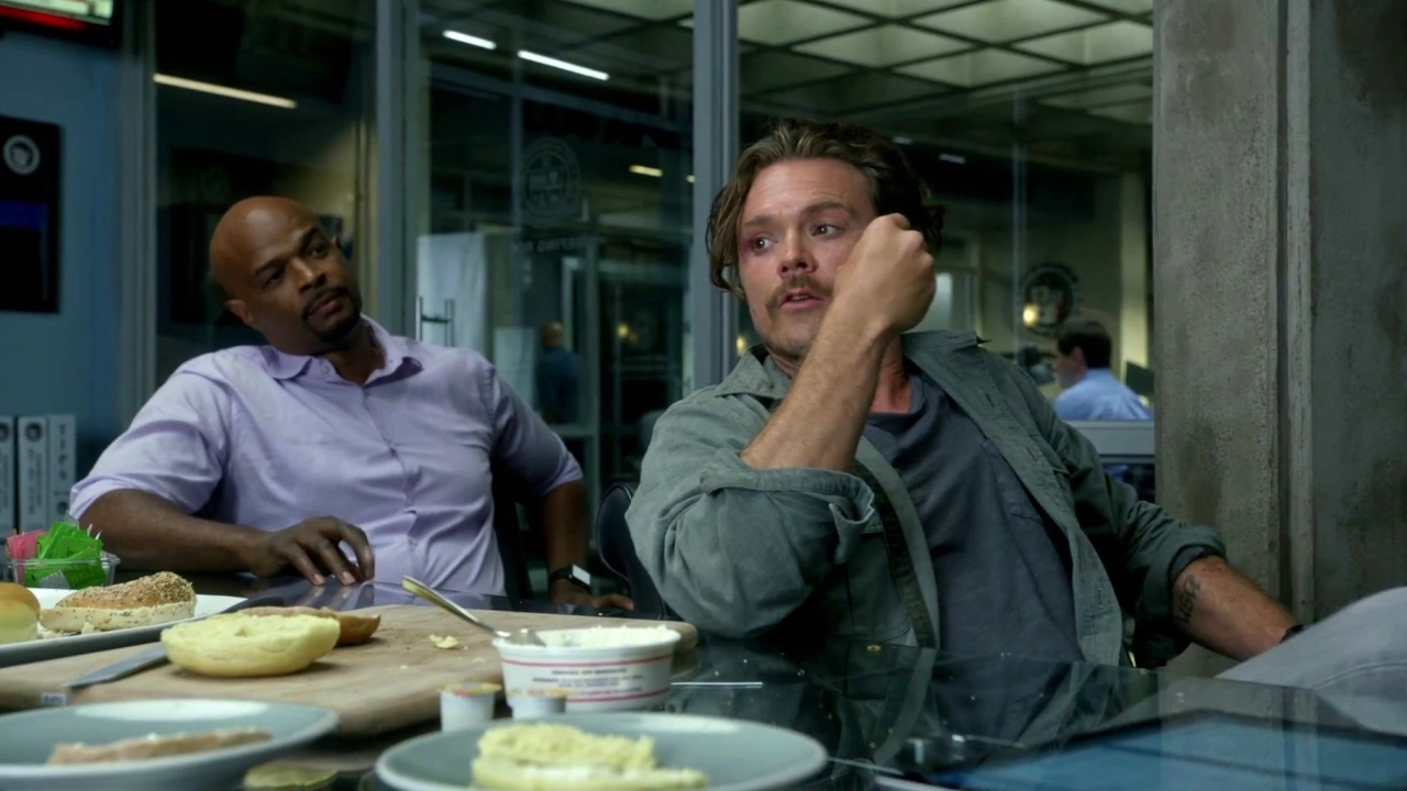 Lethal Weapon: Lethal Cooking: How To Snack Like Riggs