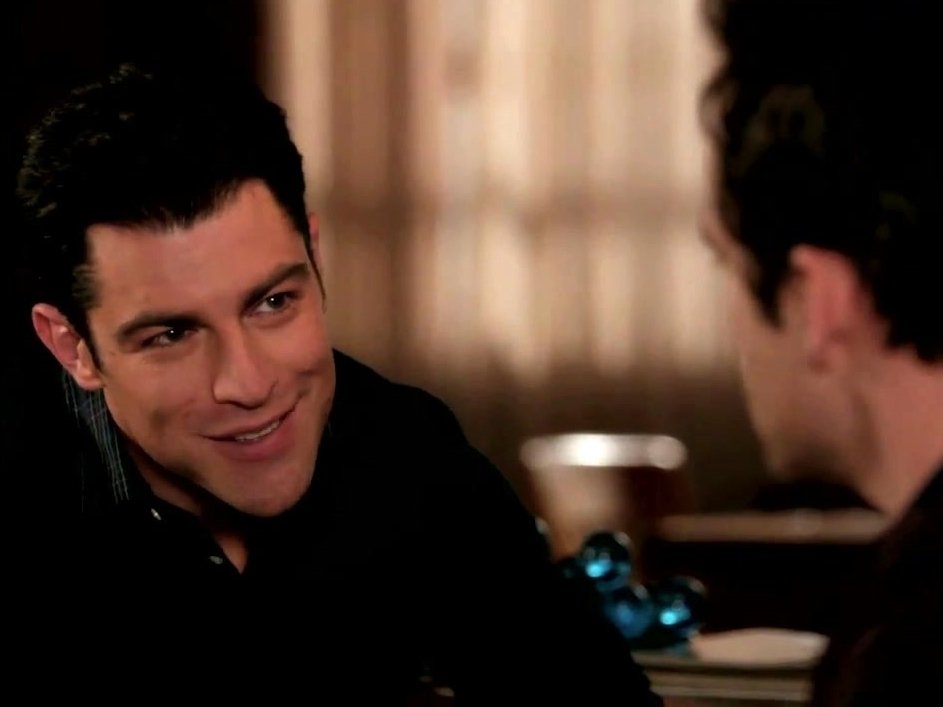 New Girl: Schmidt Tries To Butter Nick Up