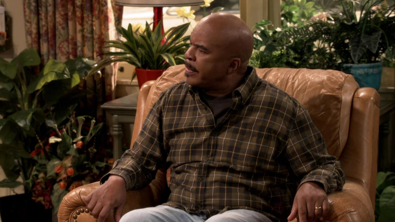 The Carmichael Show: The Family Discusses Various Sides Of The Issue