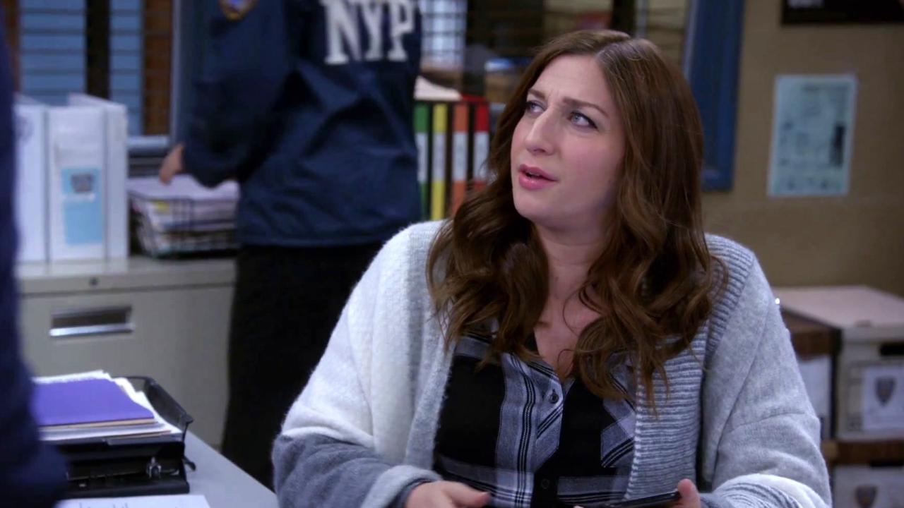 Brooklyn Nine-Nine: Gina Admits That She Is Pregnant