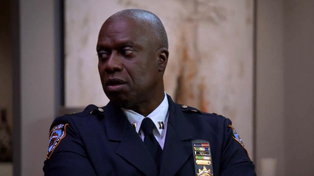 Brooklyn Nine-Nine: Captain Holt, Jake, And Rosa Go To Adrian For Help