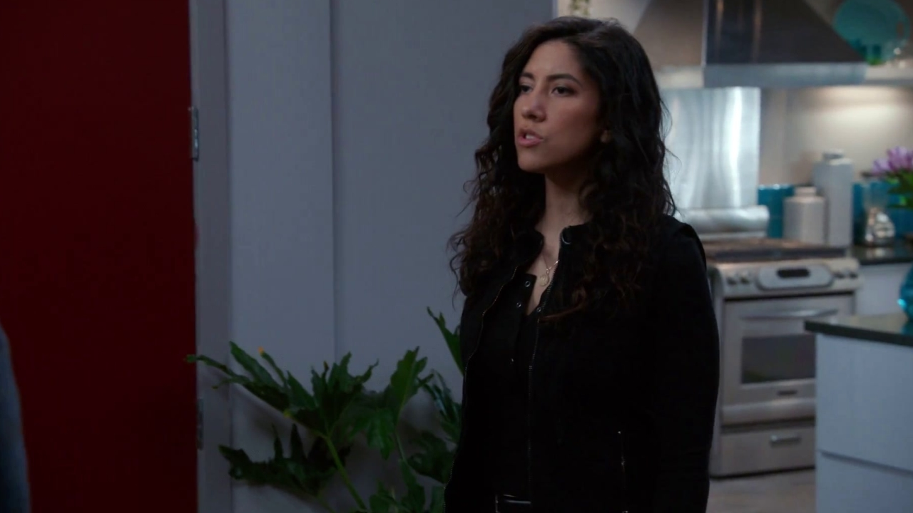 Brooklyn Nine-Nine: Rosa Reveals Her Plan To Flee The Country