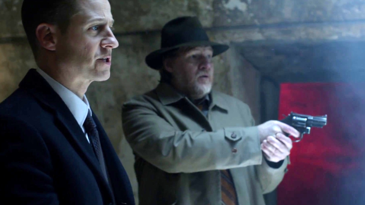 Gotham: Fish Mooney And Hugo Discover Gordon Is Infected With The Virus