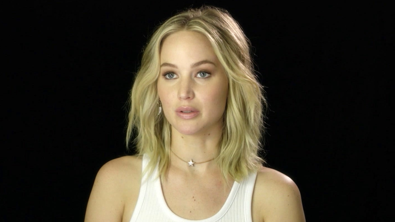 Mother!: Jennifer Lawrence On Working with Javier Bardem (International)