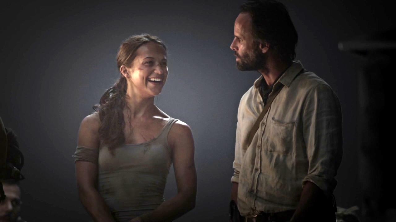 Tomb Raider: Becoming Lara Croft (Featurette)