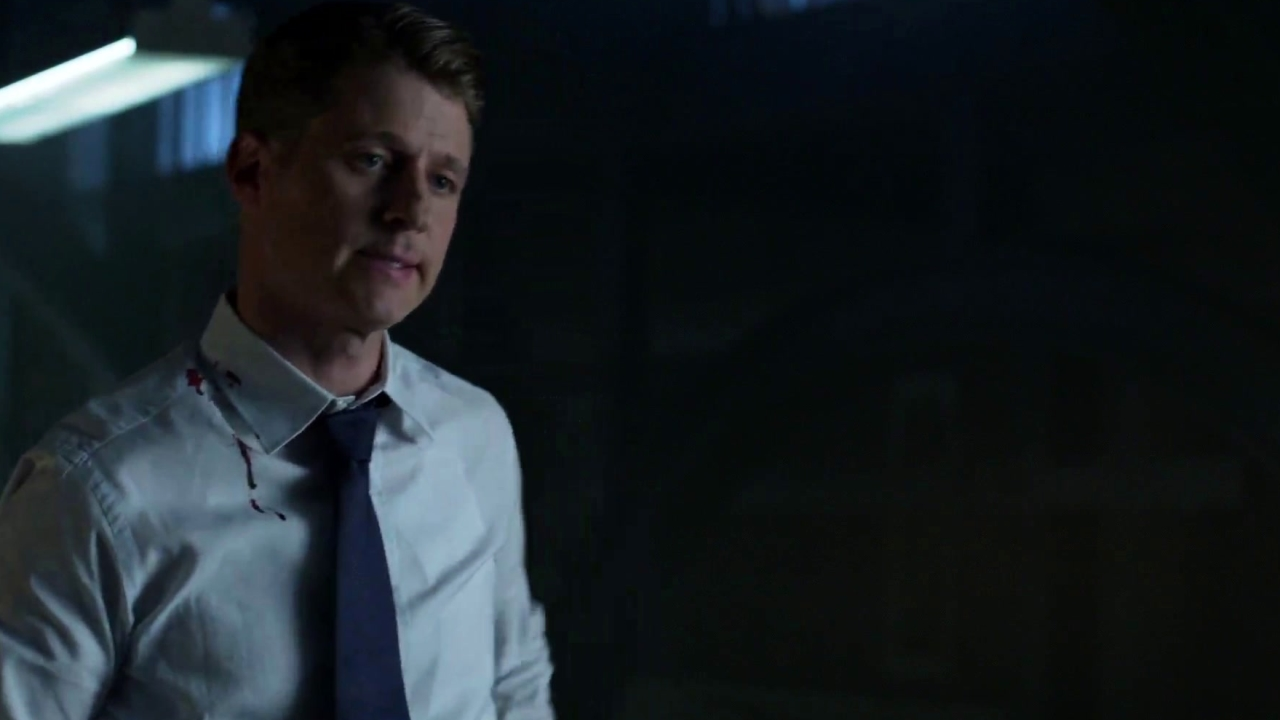 Gotham: Bruce Gives Detective Gordon A Piece Of Evidence