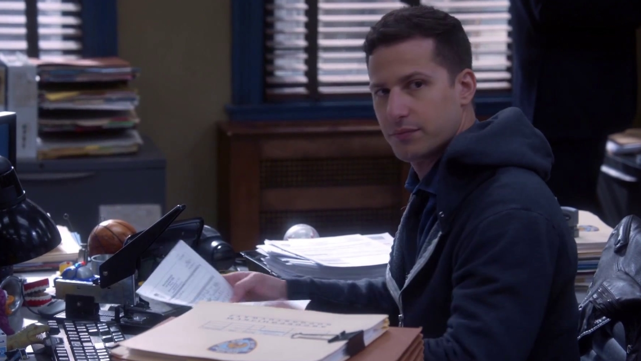 Brooklyn Nine-Nine: Hitchcock & Scully Welcome Jake To Desk Duty