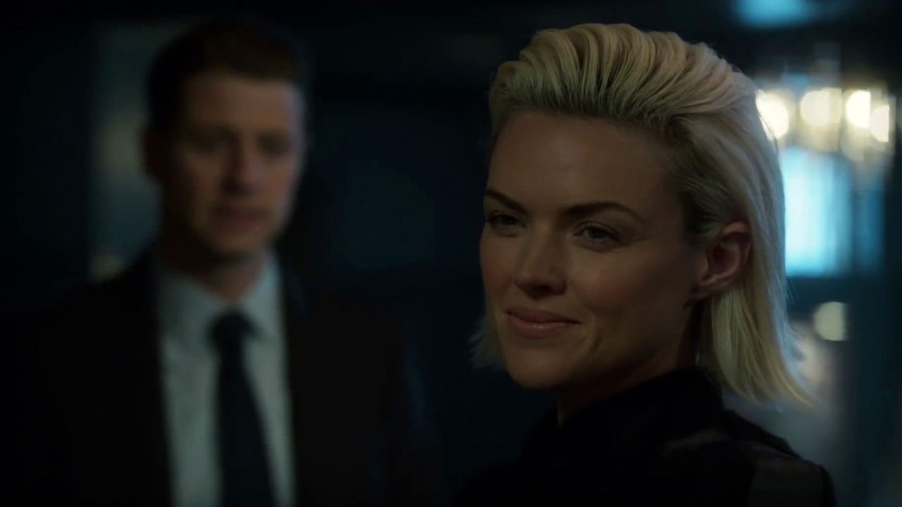 Gotham: Detective Gordon Looks For Answers About The Knife